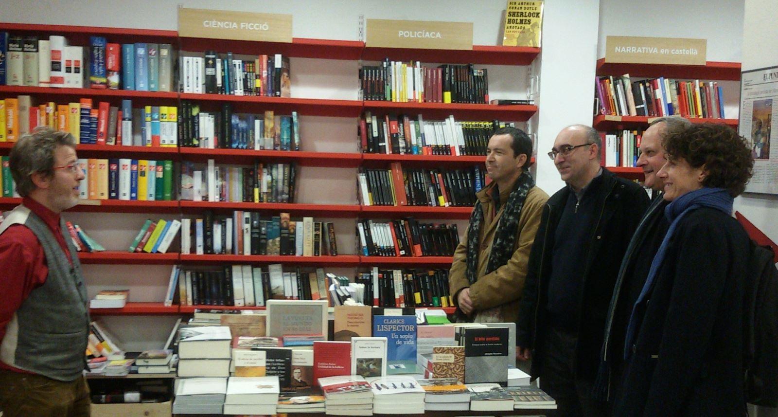 """Conferencia """"El lugar del ensayo hoy"""" / Librería Documenta"""