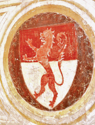 Un lleó rampant que travessa els dos campers de l'escut: l'heràldica de Curial, en el palau D'Àvalos de Loreto (Itàlia)