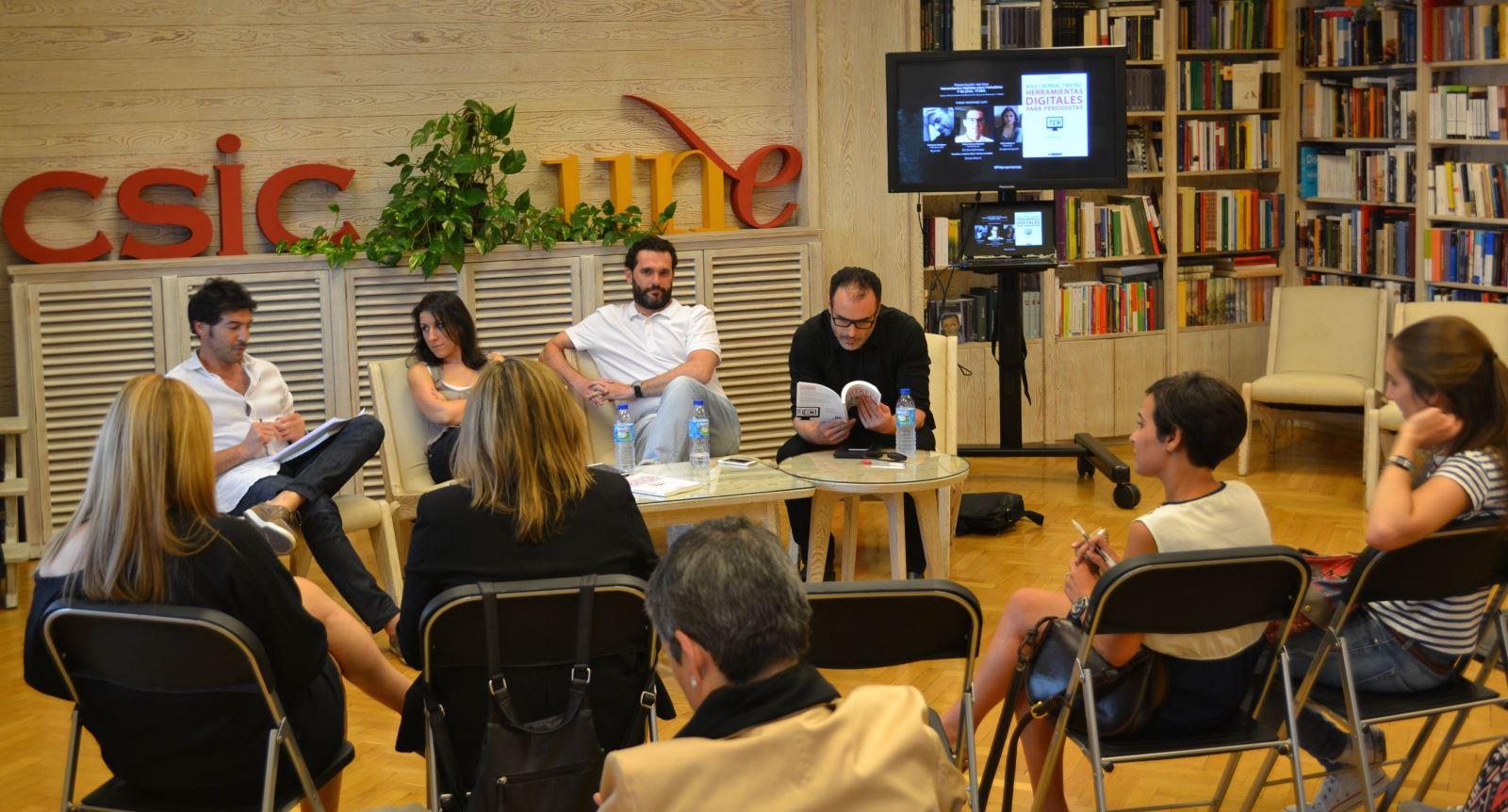 """Presentación """"Herramientas digitales para periodistas"""" / A.F."""