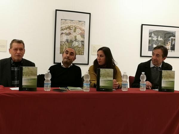 """Editorial UCA presentó la obra """"Paleontología en El Manantial. La Bahía de Cádiz hace millones de años"""""""